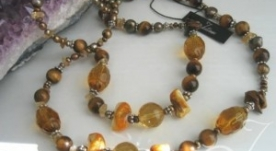 Inara Gold Pearl Necklace