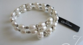 Carmelia White Pearl Bangle