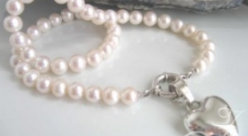 French Heart Pearl Necklace