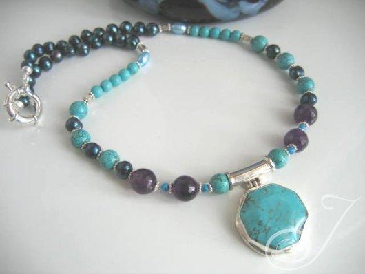 Aquarius Necklace ND029-01