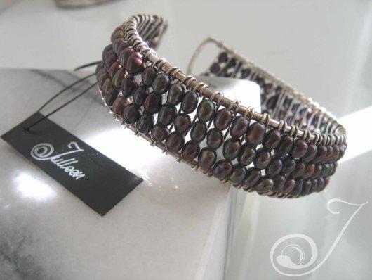 Black Pearl Cuff Bracelet E097-03