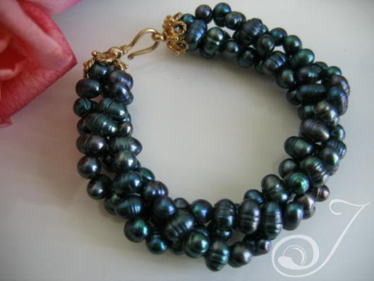 Dragon Dust Peacock Pearl Bracelet TW004G_B