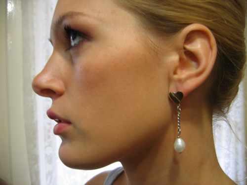 Gold Pearl Earring Heart