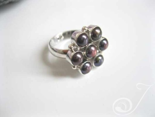 Flower Ring Black RPR001
