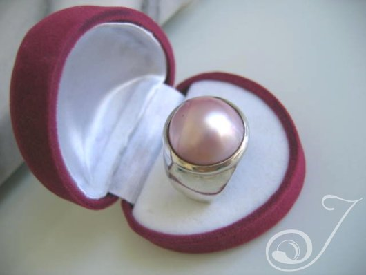 Goddess Pink Mabe Ring R142-02