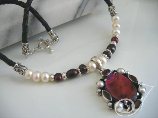 Moulin Rouge Necklace JD100.06