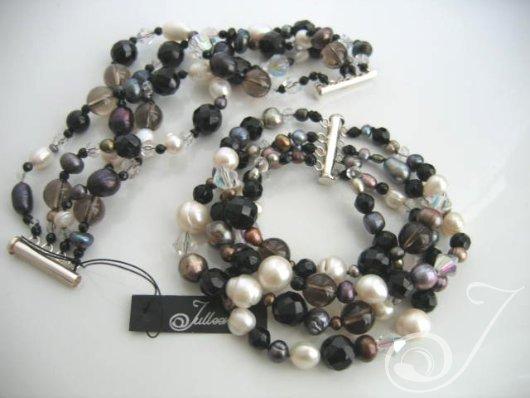 Mumbo Combo Pearl Cuff Bracelet BR2200-02