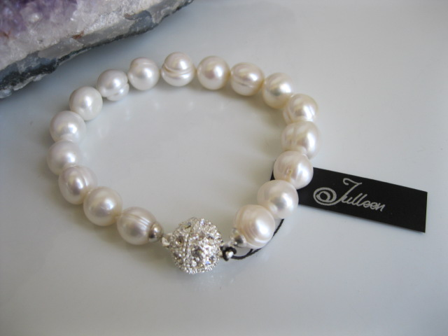 White Pearl Classical Bracelet BBC003