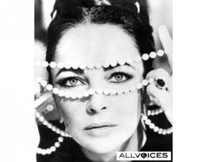 Elizabeth Taylor pearls