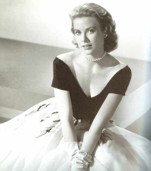 Grace Kelly Pearl Choker