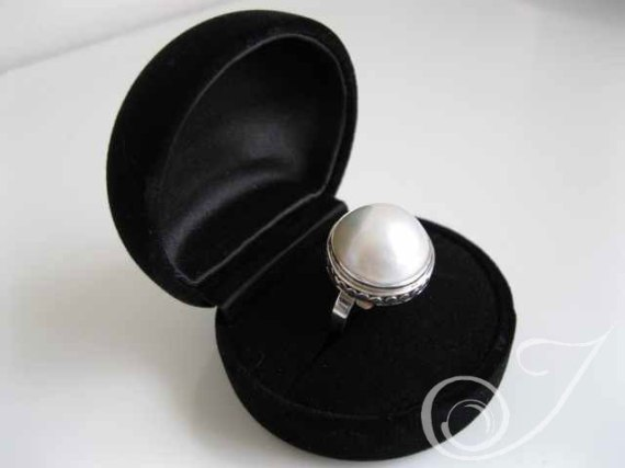 White Dove Mabe Ring RPR005