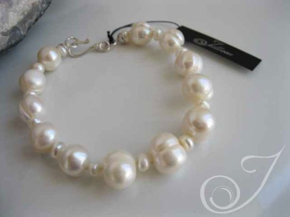White Cloud Pearl Bracelet PL206_B