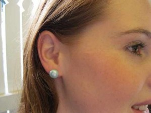 A Suggestion When Looking For Particular Coloured Earring Do Search Using Google Images Pearl Stud 11mm