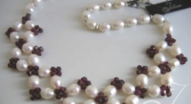 Cranberry Lace Pearl Necklace
