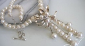 Retro Chic Sterling Flower Pearl Necklace