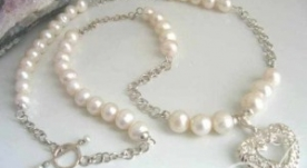 Sweetheart Long Pearl Necklace